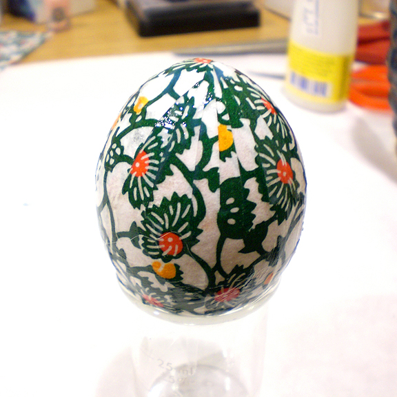 Washi Paper Decoupage Easter Egg Directions - the finished paper covered eggshell