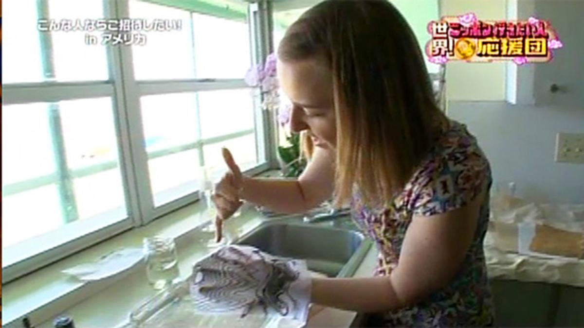 Ruth Bleakley demonstrating paper marbling for Japanese TV