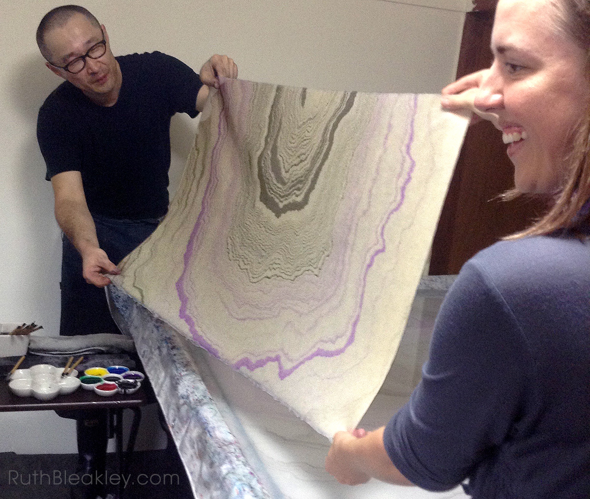suminagashi master in Japan teaching paper marbling to book artist Ruth Bleakley