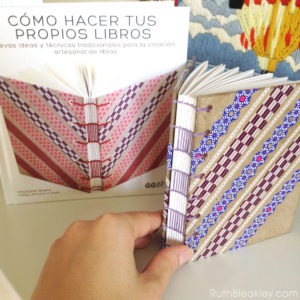 Como Hacer Tus Propios Libros - Making Washi Tape Journals with ladder stitching by Ruth Bleakley - 2