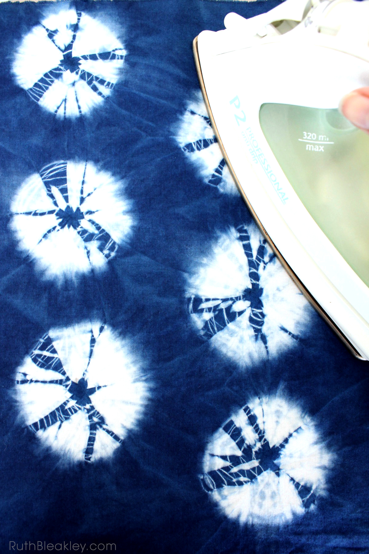 Making Bookcloth from Indigo Shibori Tie Dye - Ruth Bleakley - 2